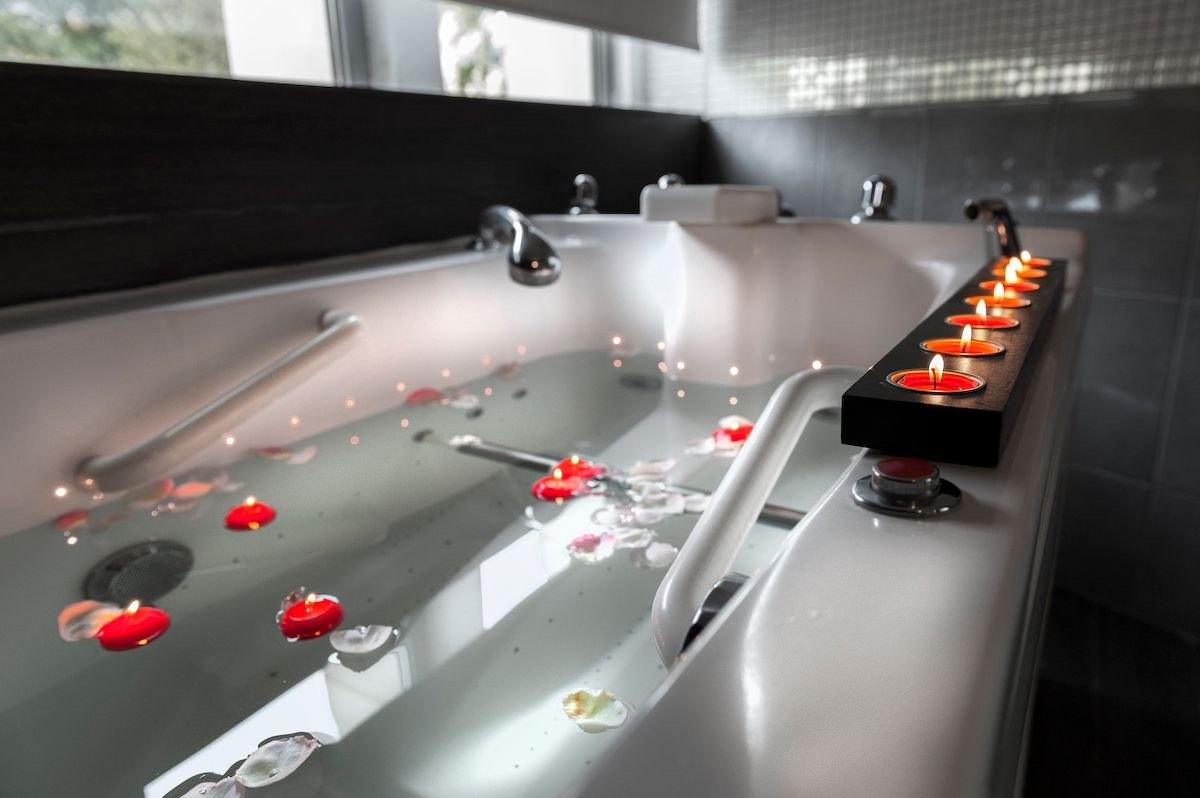 https://www.les-bains-douches.fr/medias/Galerie_photos/Galerie_photos14_10/BD_baignoire2.jpeg